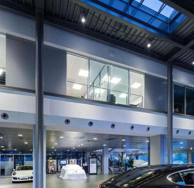 Porsche Italia Brilla Di Luce Led Ioarch Costruzioni E Impianti