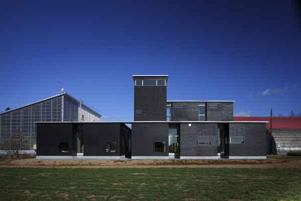 La fattoria e l esprit de geometrie ioarch costruzioni e for Architettura residenziale contemporanea
